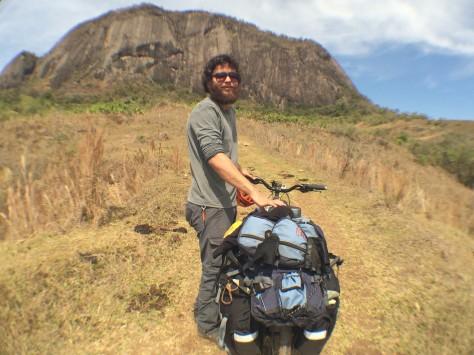 Bruno no caminho à base do Pedrão (MG)